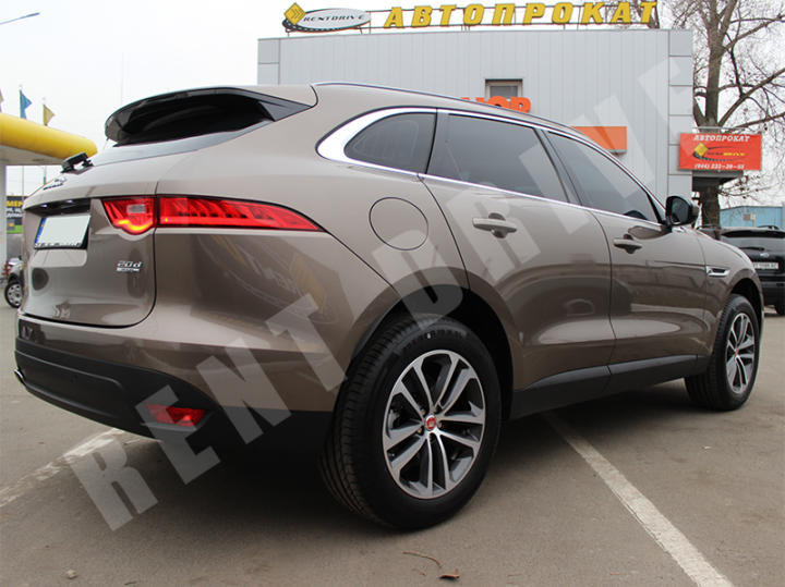 Jaguar F-Pace напрокат