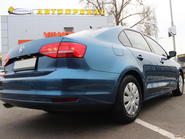 прокат Volkswagen Jetta в Киеве