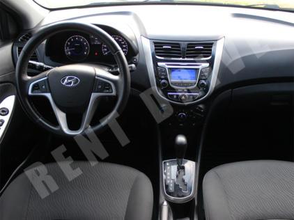 Hyundai Accent rentdrive
