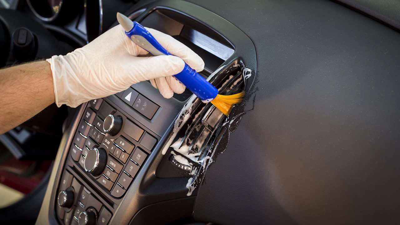 догляд за пластиком в авто