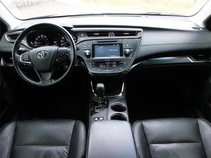 Toyota Avalon RentDrive